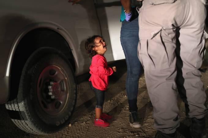 Imigrantes detidos na fronteira México-EUA