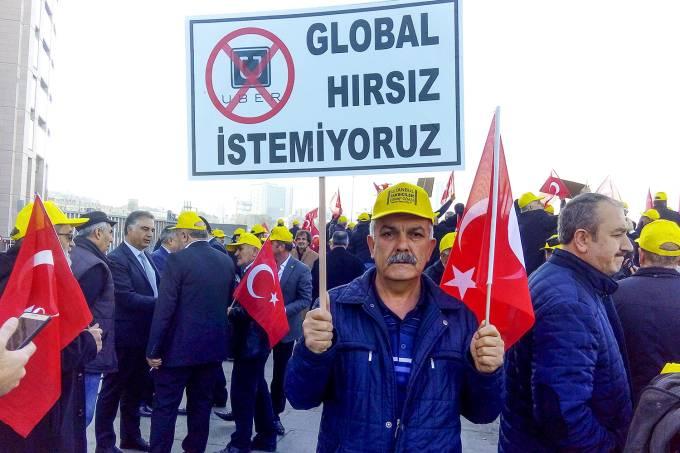 Protesto contra Uber na Turuqia