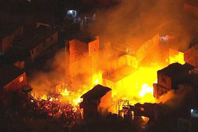 Incêndio atinge Paraisópolis