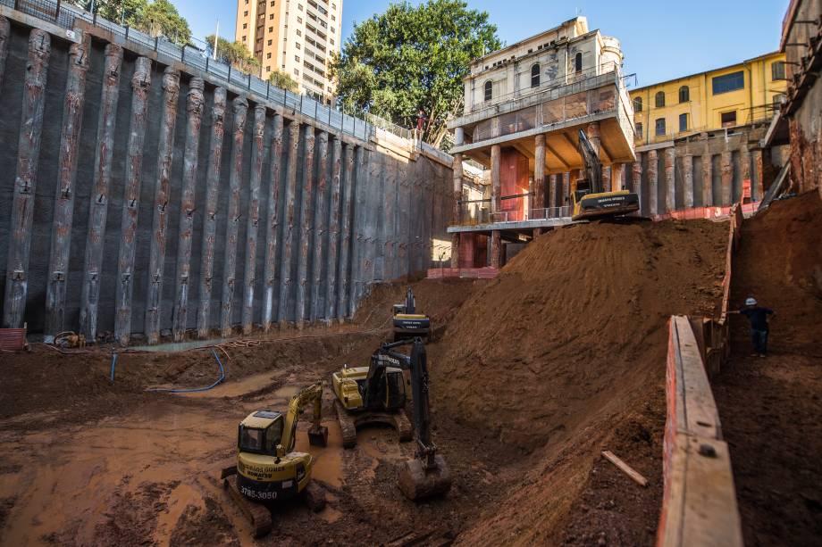 Escavação abaixo da Capela de Santa Luzia, no Hospital Matarazzo,que será transformado no complexo Cidade Matarazzo
