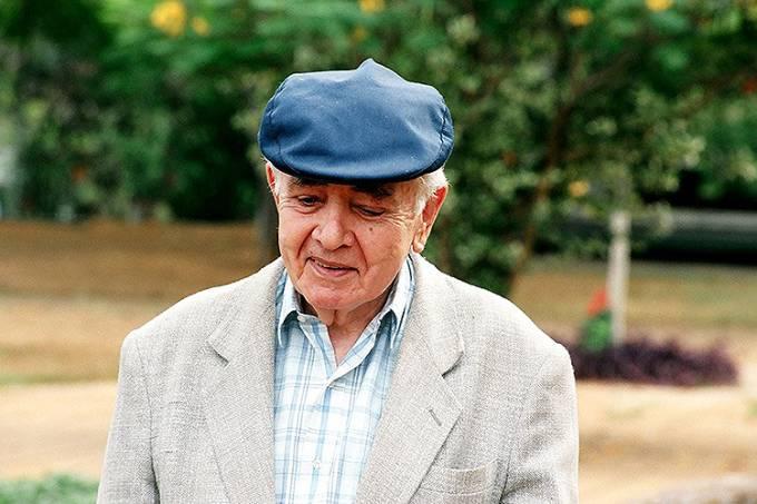 Athos Bulcão, pintor e artista plástico brasileiro