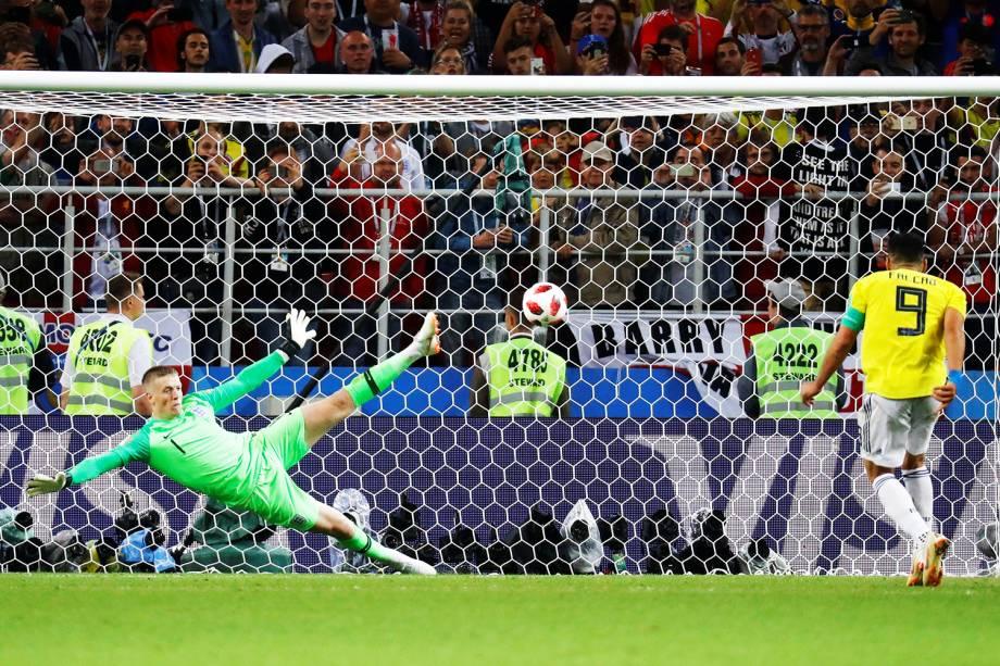 Falcão Garcia converte penalidade máxima para a Colômbia - 03/07/2018