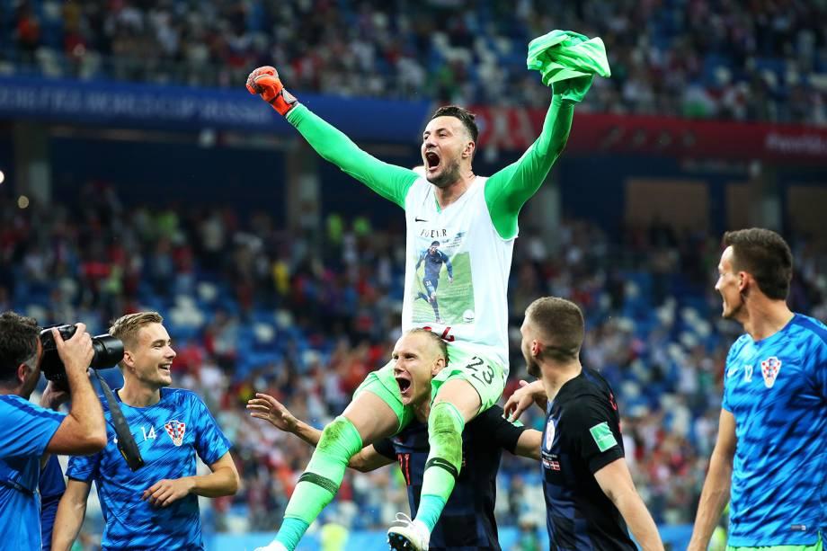 O goleiro Danijel Subasic, comemora após a Croácia eliminar a Dinamarca nas penalidades máximas - 01/07/2018