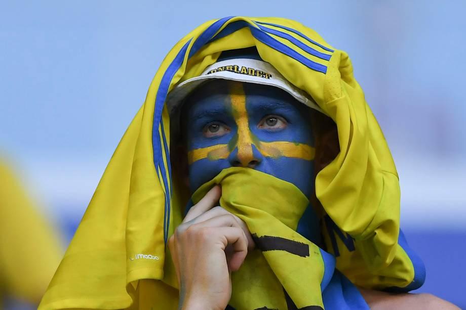 Um torcedor da Suécia lamenta após a eliminação para a Inglaterra nas quartas de final, na Arena Samara - 07/07/2018