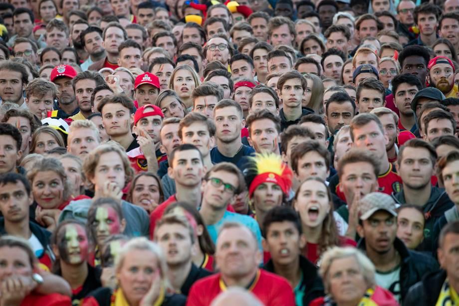 Torcedores belgas assistem à semi final contra a França em uma arena para fans na cidade de Antuérpia - 70/07/2018