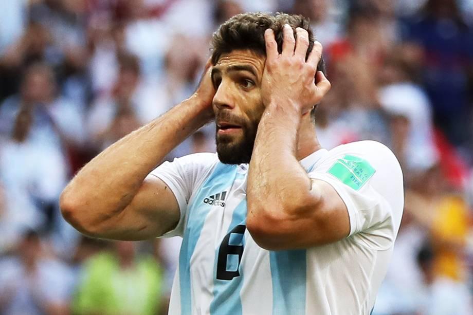 Federico Fazio, jogador da Argentina, reage durante partida contra a França, válida pelas oitavas de final da Copa do Mundo, realizada na Arena Kazan. Os sul-americanos foram derrotados pelos europeus por 4 a 3 - 30/06/2018