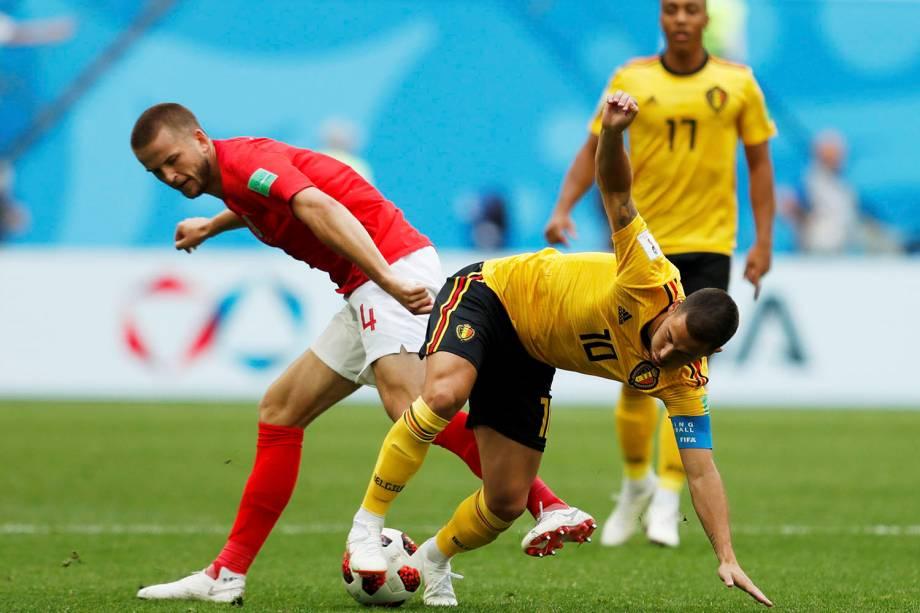 Eric Dier, da Inglaterra, disputa um lance com o belga, Eden Hazard - 14/07/2018