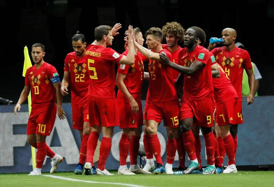Jogadores da Bélgica comemoram o segundo gol, marcado por Kevin De Bruyne, na partida de quartas de final na Arena Kazan - 06/07/2018