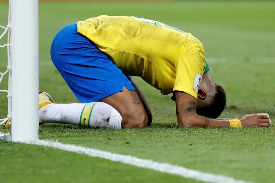 Neymar reage durante a partida contra a Bélgica, válida pelas quartas de final, na Arena Kazan - 06/07/2018