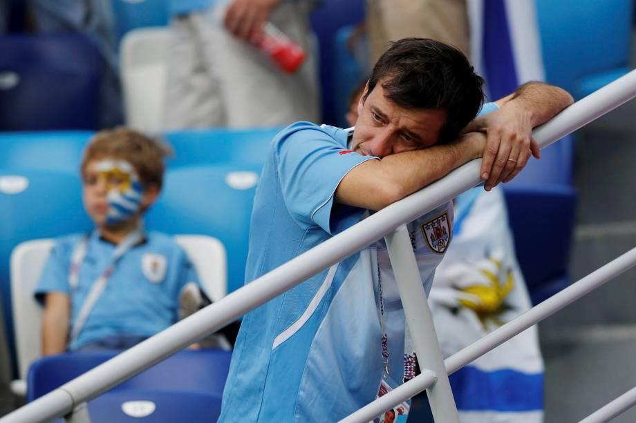 Torcedor uruguaio lamenta a eliminação da seleção na Copa do Mundo, após a derrota por 2 a 0 para a França - 06/07/2018