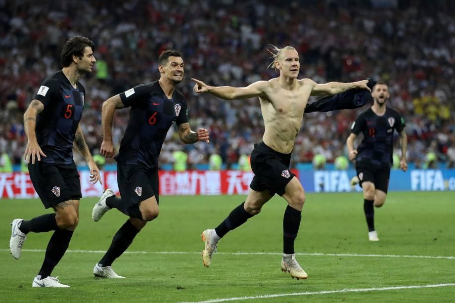 Domagoj Vida comemora o gol marcado de cabeça na partida de quartas de final contra a Rússia - 07/07/2018