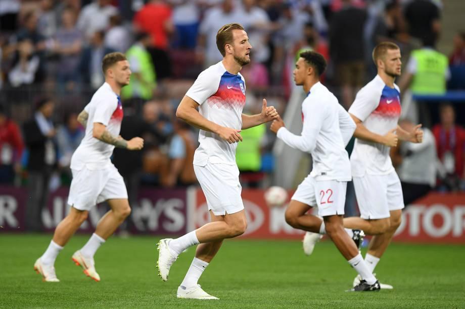 Harry Kane é visto junto com companheiros de time durante o aquecimento da semi final entre Inglaterra e Croácia, no estádio Luzhniki - 11/07/2018