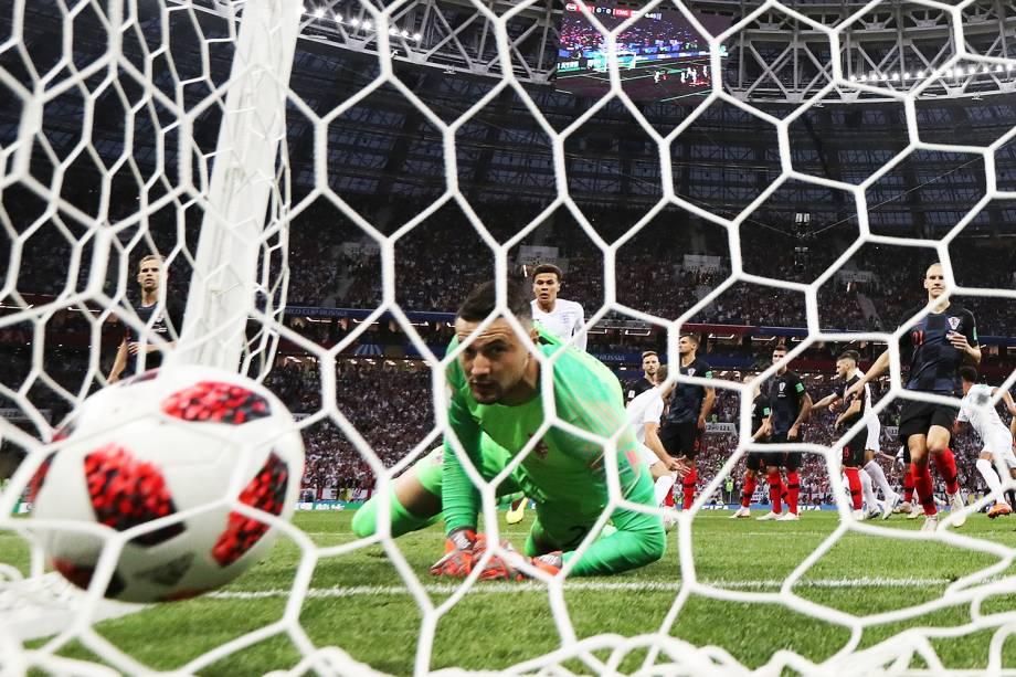 Kieran Trippier marca gol de falta para a Inglaterra, durante partida contra a Croácia, válida pelas semifinais da Copa do Mundo - 11/07/2018