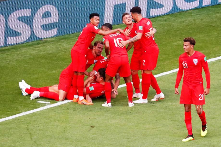 Jogadores da Inglaterra comemoram após abrirem o placar durante partida contra a Suécia, válida pelas quartas de final da Copa do Mundo, realizada na Arena Samara - 07/07/2018