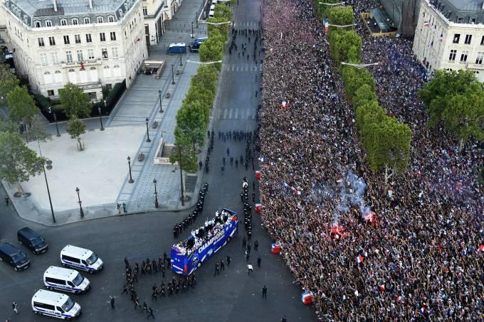 Festa em Paris para a França campeã da Copa