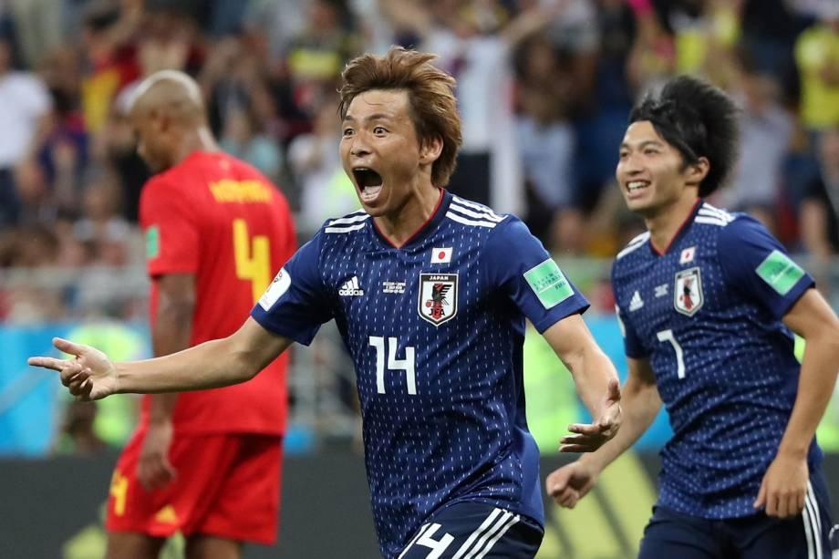 Takashi Inui comemora seu primeiro gol em partida contra a Bélgica - 02/07/2018