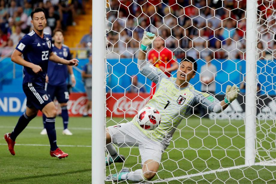 Eiji Kawashima reage ao perder chance de defender primeiro gol de Jan Vertonghen da Bélgica na Arena Rostov - 02/07/2018