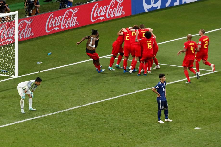 Seleção belga comemora terceiro gol em partida contra o Japão na Arena Rostov - 02/07/2018