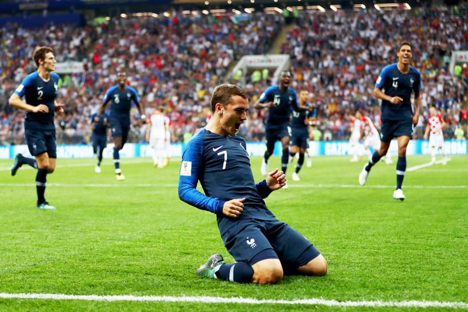 Antoine Griezmann comemora após Mario Mandzukic marcar gol contra para a França, durante a final da Copa do Mundo, realizada no Estádio Lujniki - 15/07/2018