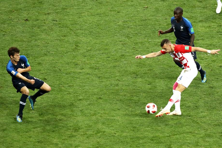 Ivan Perisic marca o gol de empate para a Croácia, em partida contra a França, válida pela final da Copa do Mundo - 15/07/2018