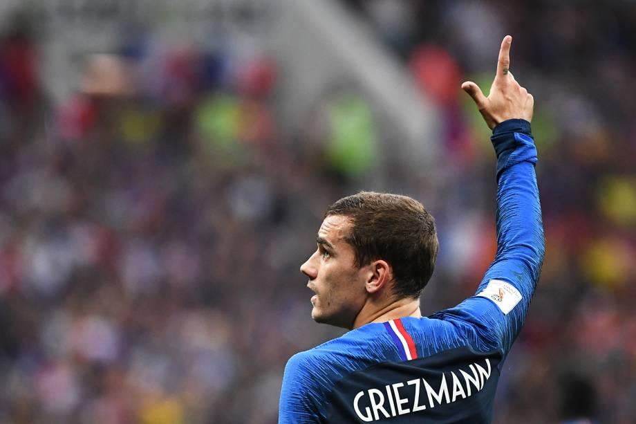 Antoine Griezmann comemora após marcar de pênalti o segundo gol da França na partida, durante a final da Copa do Mundo contra a Croácia - 15/07/2018