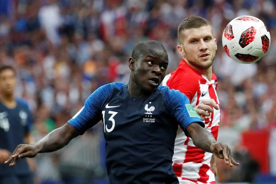 N'Golo Kante da França durante jogada contra Ante Rebic da Croácia na Final da Copa do Mundo 2018 no Estádio Lujniki - 15/07/2018