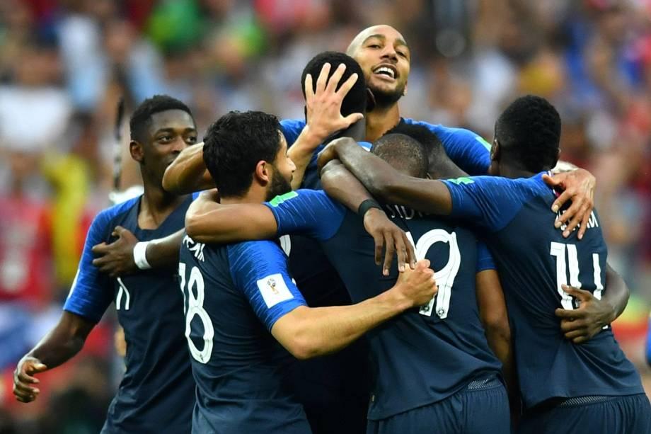 Jogadores franceses comemoram vitória na final da Copa do Mundo 2018 no Estádio Lujniki - 15/07/2018