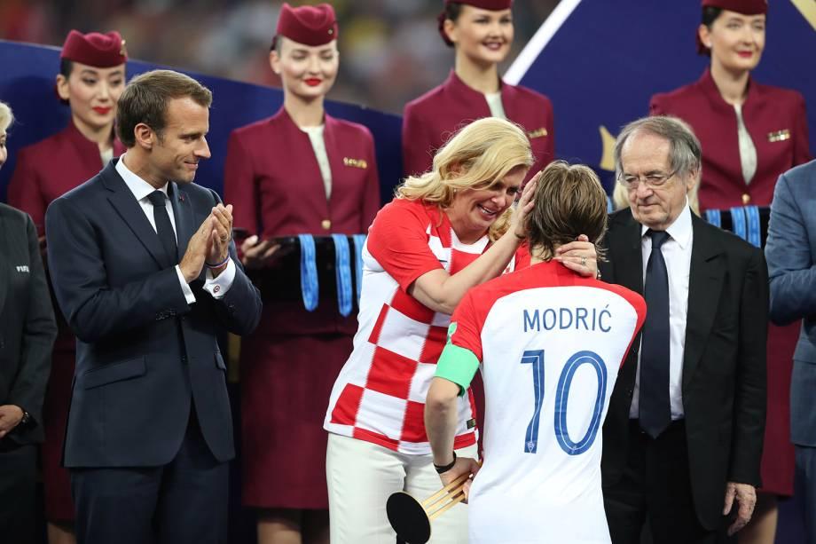 Luka Modric recebe prêmio de melhor jogador da Copa do Mundo - 15/07/2018