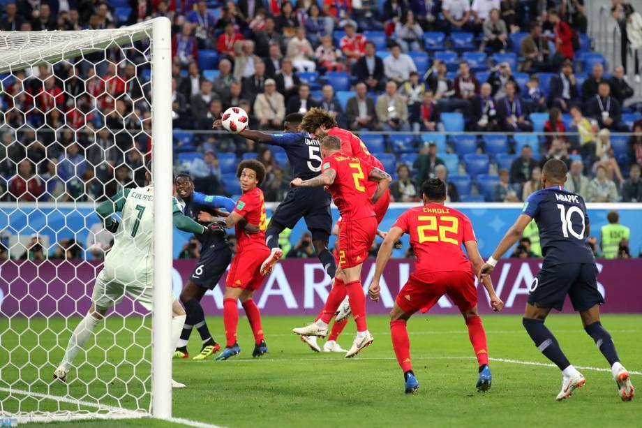 Samuel Umtiti primeiro gol da França em partida contra a Bélgica - 10/07/2018