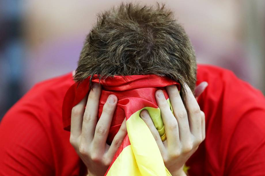 Torcedor lamenta após a Espanha ser eliminada da Copa do Mundo para a Rússia - 01/07/2018