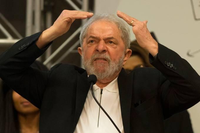 Lula solto: Desembargador do TRF-4 manda soltar Lula