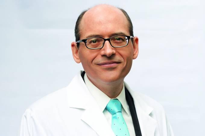 O médico Michael Greger