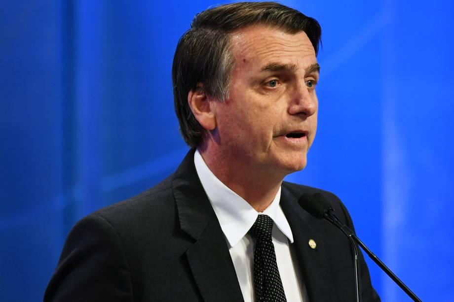 Jair Bolsonaro (PSL), candidato à Presidência da República, durante debate realizado nos estúdios da RedeTV!, em Osasco (SP) - 17/08/2018