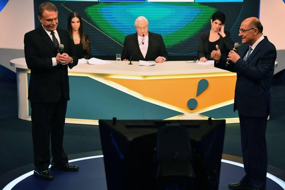 Os candidatos Álvaro Dias (Podemos) e Geraldo Alckmin (PSDB), durante debate presidencial realizado pela RedeTV! - 17/08/2018