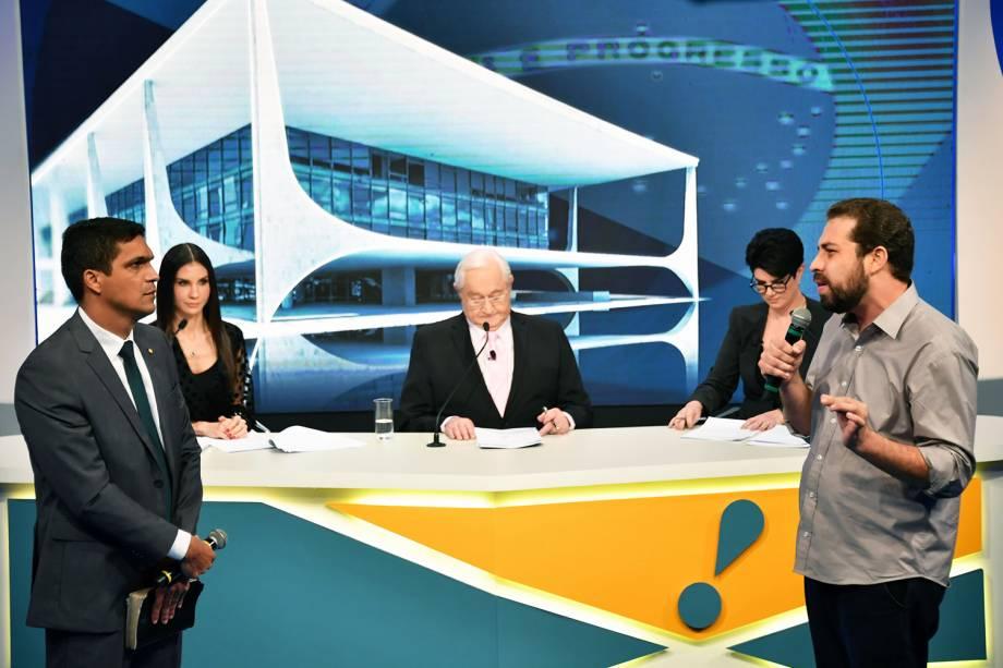Os candidatos Cabo Daciolo (Patriota) e Guilherme Boulos (PSOL), durante debate presidencial realizado pela RedeTV! - 17/08/2018