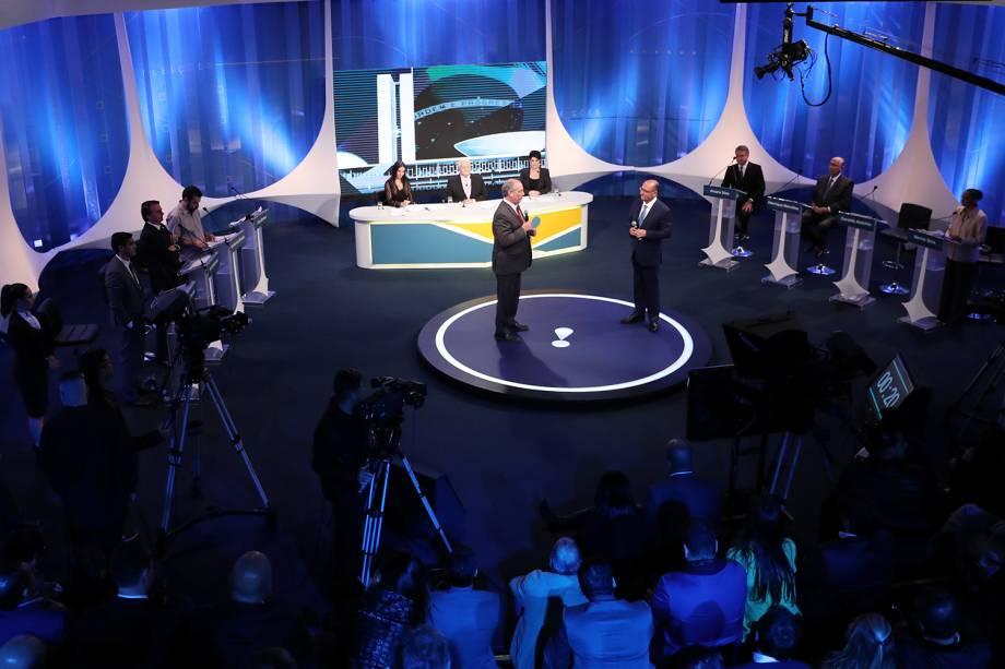 Os candidatos Ciro Gomes (PDT) e Geraldo Alckmin (PSDB) durante debate presidencial realizado pela RedeTV! - 17/08/2018