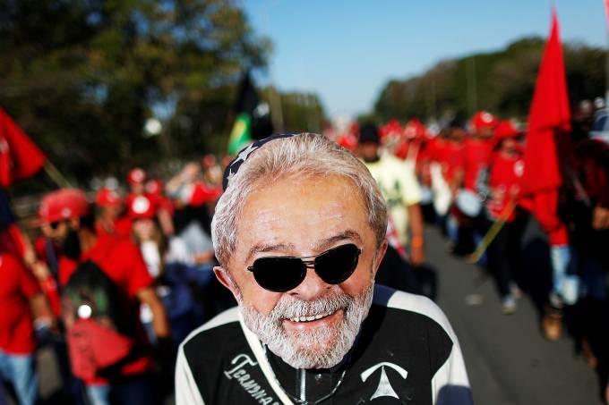 Militantes marcham até Brasília pela liberdade de Lula
