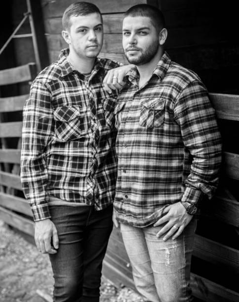 O casal Luiz Felipe Souza Machado do Prado e Carlos Eduardo Araújo Silva ficou conhecido após pedido de casamento durante show da cantora americana Shania Twain na Festa do Peão de Barretos