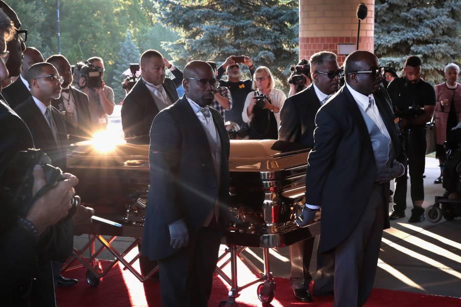 Corpo de Aretha Franklin chega para seu funeral no Templo da Graça Maior em Detroit, Michigan - 31/08/2018