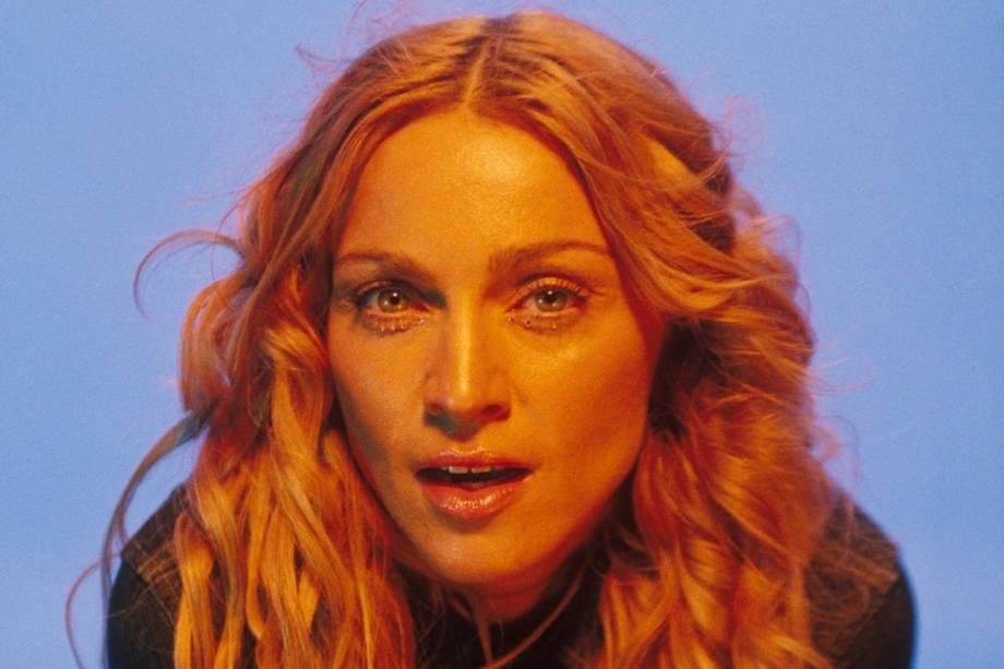 Madonna durante as filmagens do clipe 'Ray of Light'- 12/09/1998