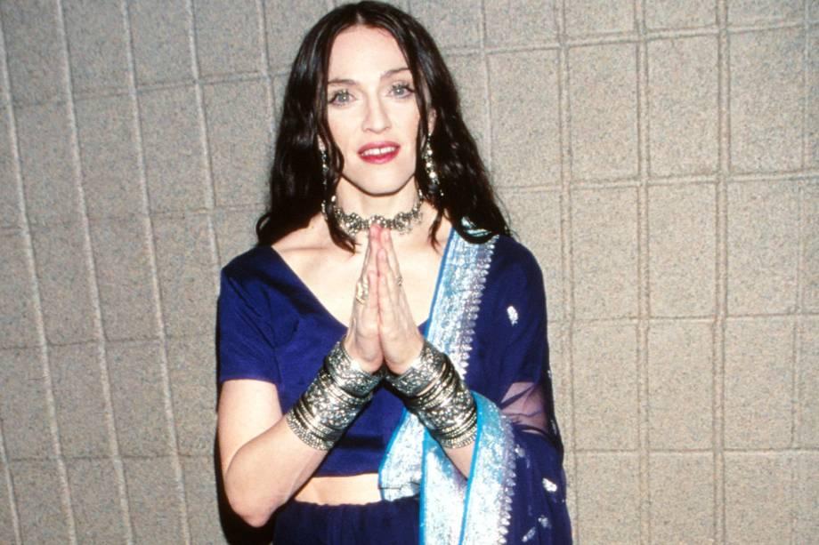 Madonna posa para foto durante o VH1 Fashion Awards, realizado no Madison Square Garden, em Nova York - 23/10/1998