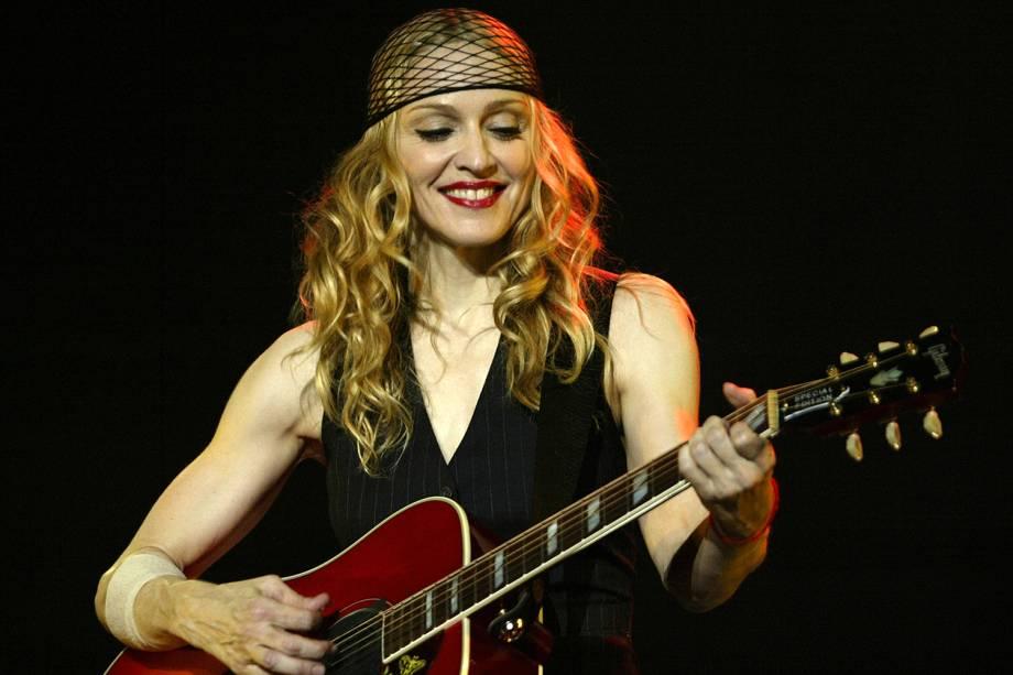 A cantora Madonna realiza apresentação na cidade de Inglewood, na Califórnia - 26/05/2004