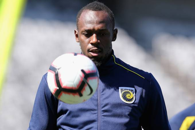 Usain Bolt treina no Central Coast Mariners