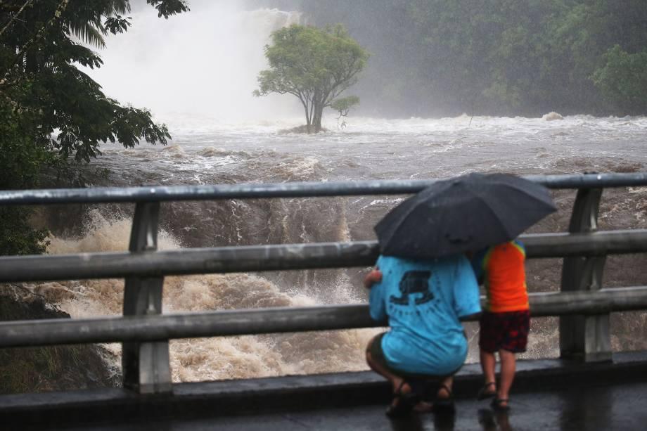 Enchentes atingem a região de Hilo, no Havaí, durante a passagem do furacão Lane - 23/08/2018