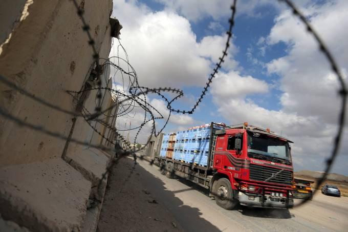 Israel reabre passagem da fronteira comercial com Gaza