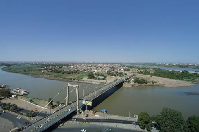 Parte do Rio Nilo na cidade de Cartum, Sudão