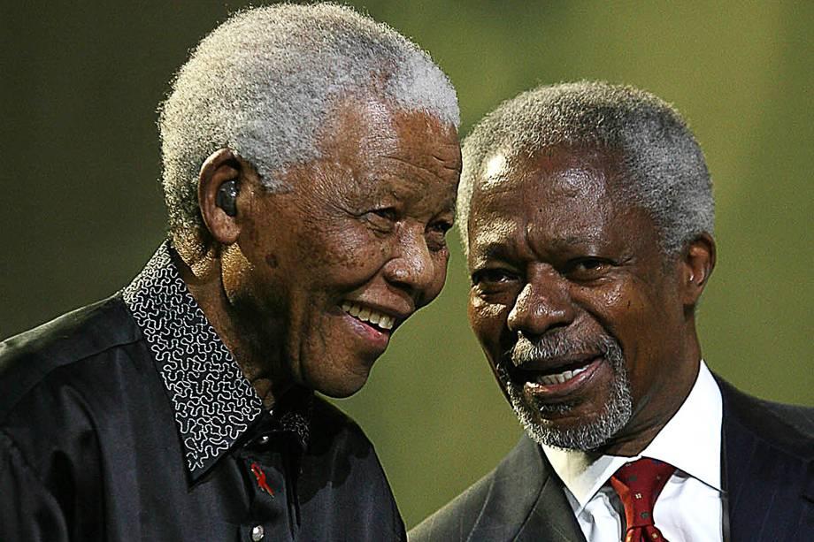 O ex-secretário Geral das Nações Unidas, Kofi Annan fala com Nelson Mandela na quinta Palestra Anual Mandela em Joanesburgo, na África do Sul em 2007