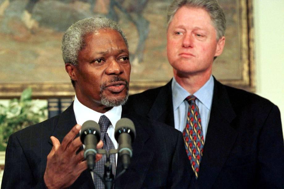 Kofi Annan durante coletiva na Casa Branca depois de se encontrar com o Presidente Bill Clinton em janeiro de 1997