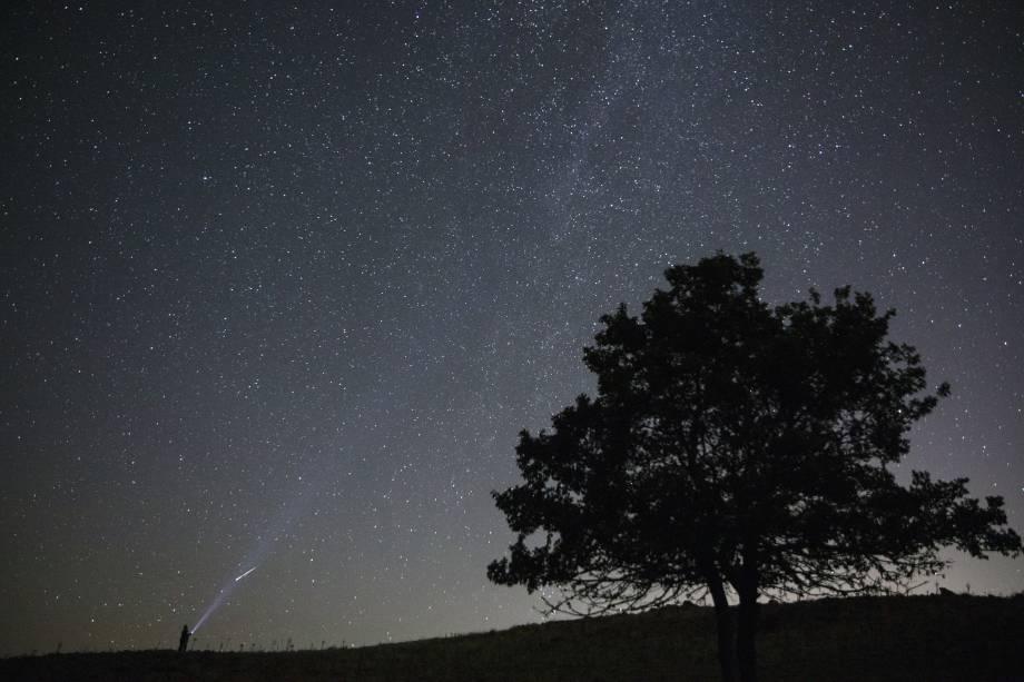 Chuva de meteoros Perseida brilha no céu no distrito de Polatli em Ancara, na Turquia - 13/08/2018