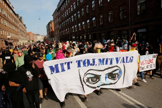 Protesto contra a proibição do véu na Dinamarca